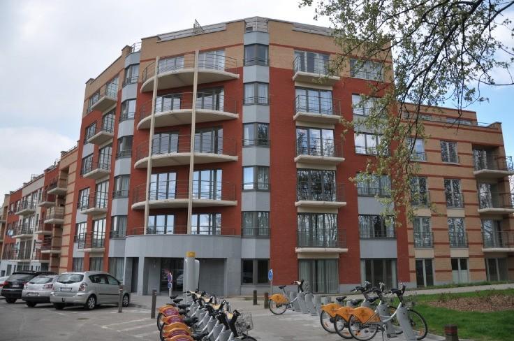 Emplacement intérieur tehuur te Schaarbeekvoor 100 €- (4853819)