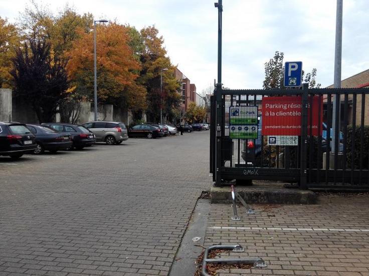 Emplacement extérieur àlouer à Forestau prix de50 € -(6019123)