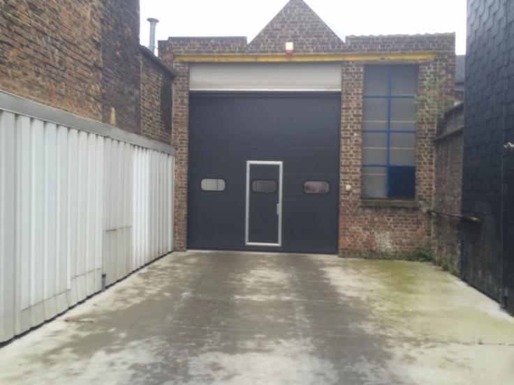 Garage louer li ge province for A louer garage